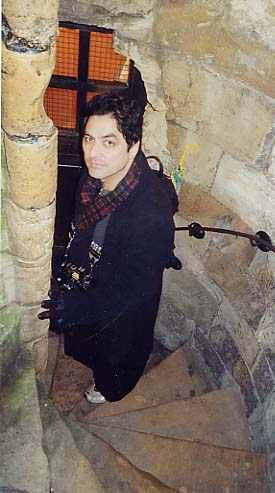 [Photo of MadAlfred in Clifford Tower, York, 11/2002]
